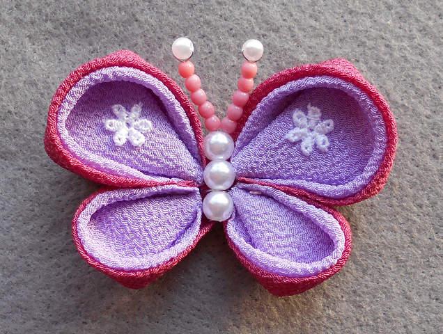 蝶々ブローチ