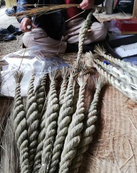 白木河内地区しめ縄作りの作業場を訪ねました