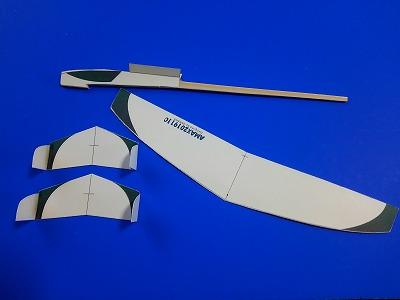 紙飛行機作り