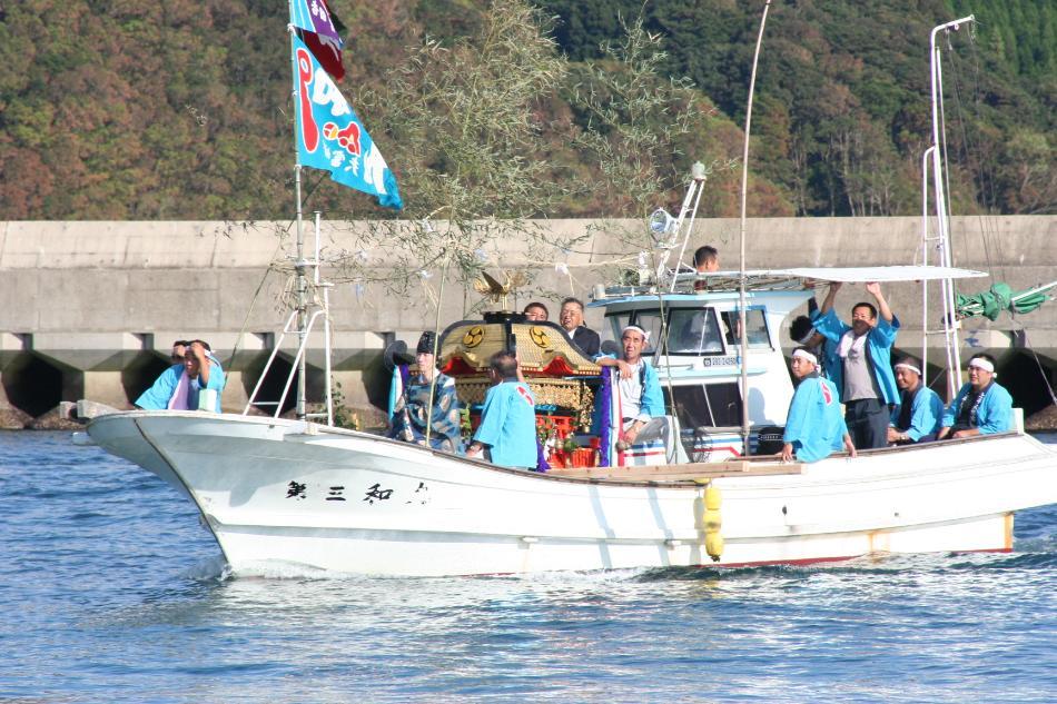 海を渡る祭礼2