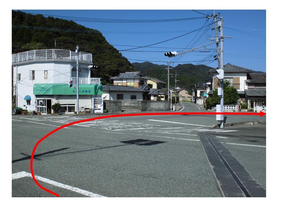 道順②(なかしき商店前)
