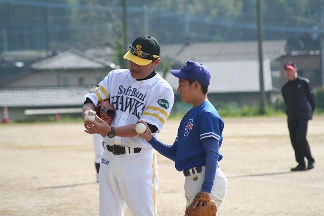 ボールの握り方を指導