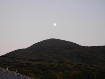 権現山の月(11/10)