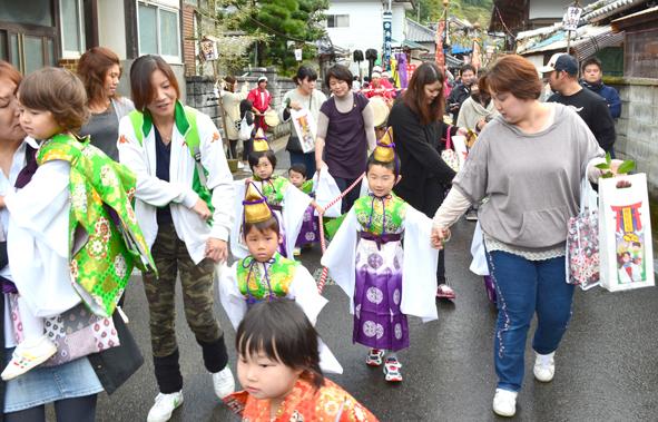 H24祭り 稚児行列