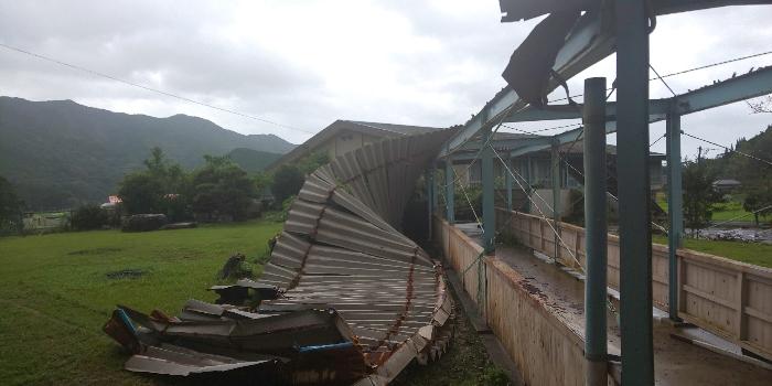 台風10号猛威