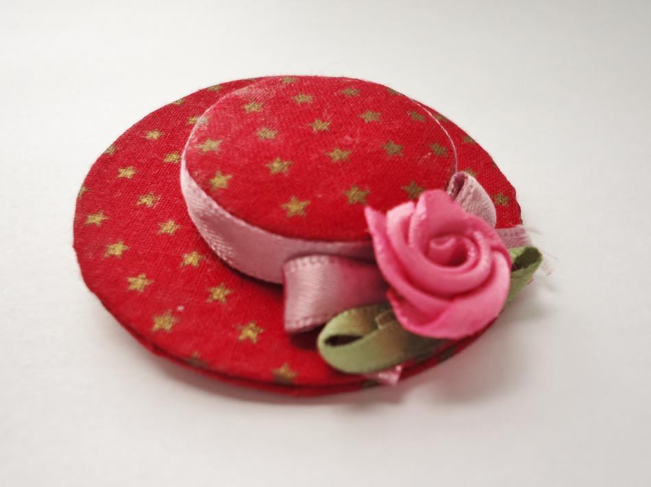 帽子のブローチ(200円)
