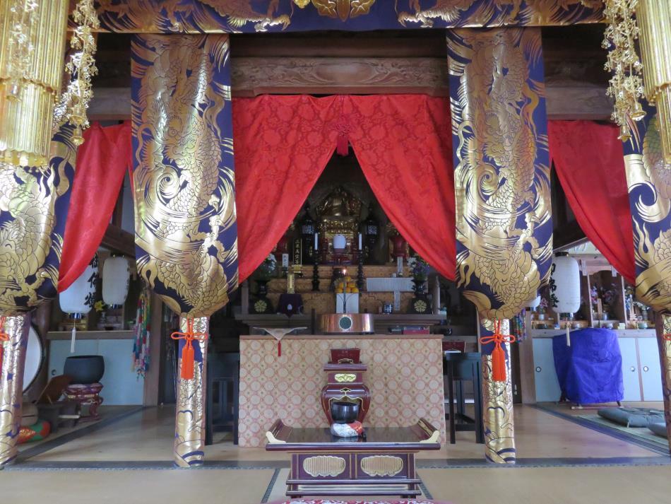 染岳観音院法堂