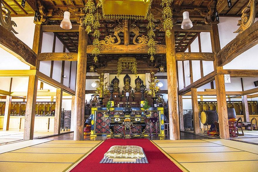 東向寺法堂