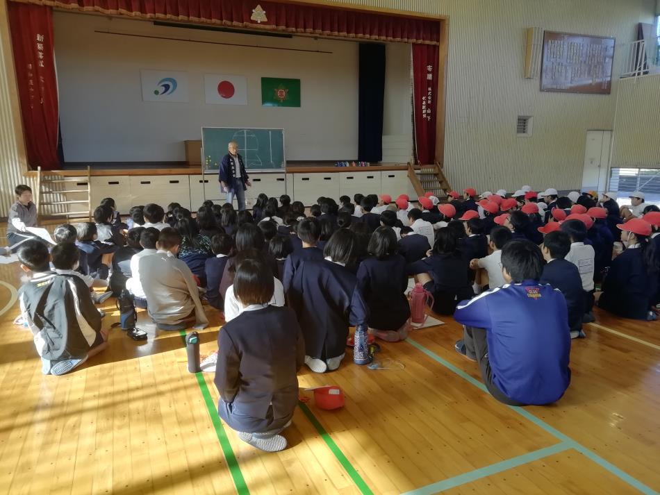 本渡北小学校 凧作り実習2